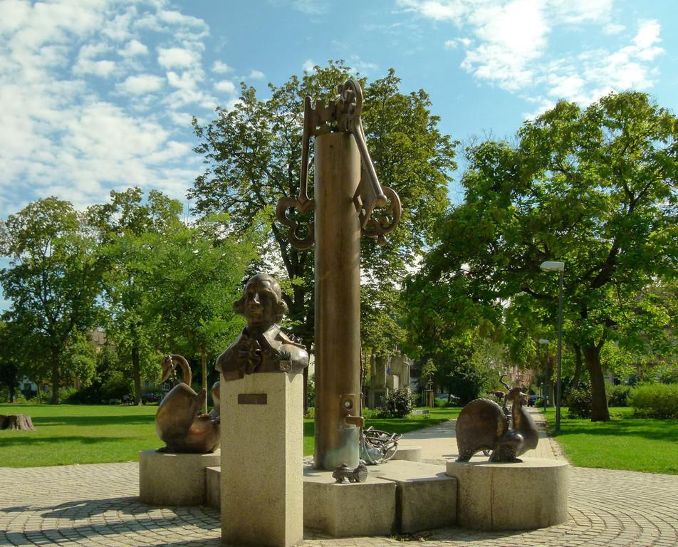 Zedtwitz-Park, Denkmal