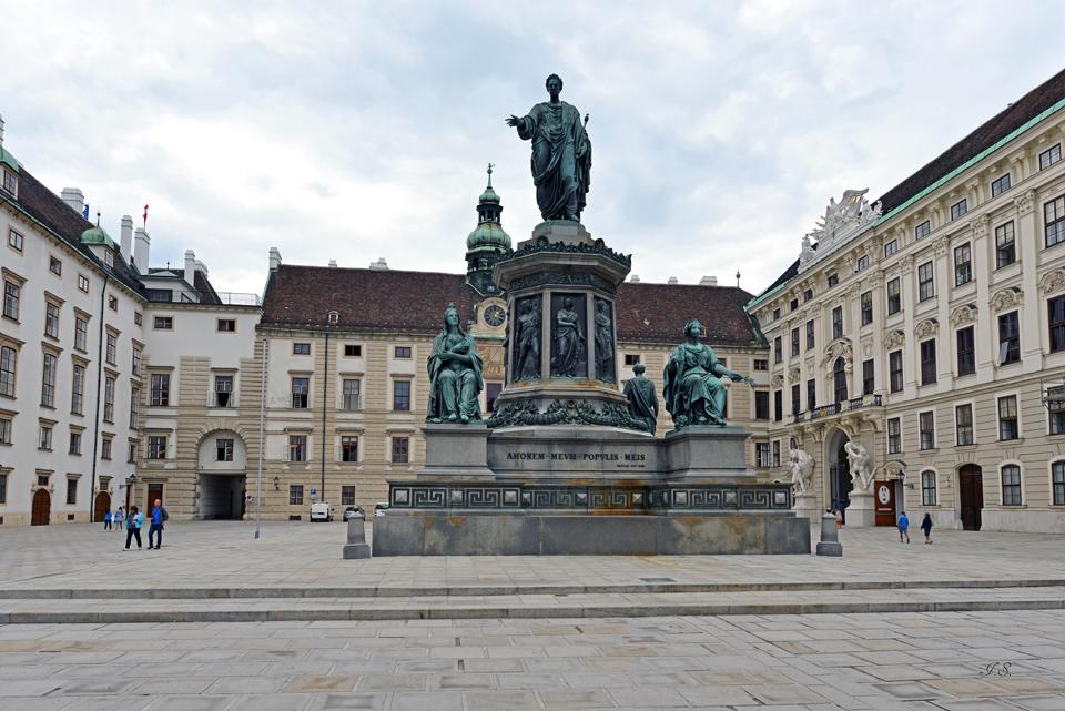 Hofburg, Denkmal Franz, I.