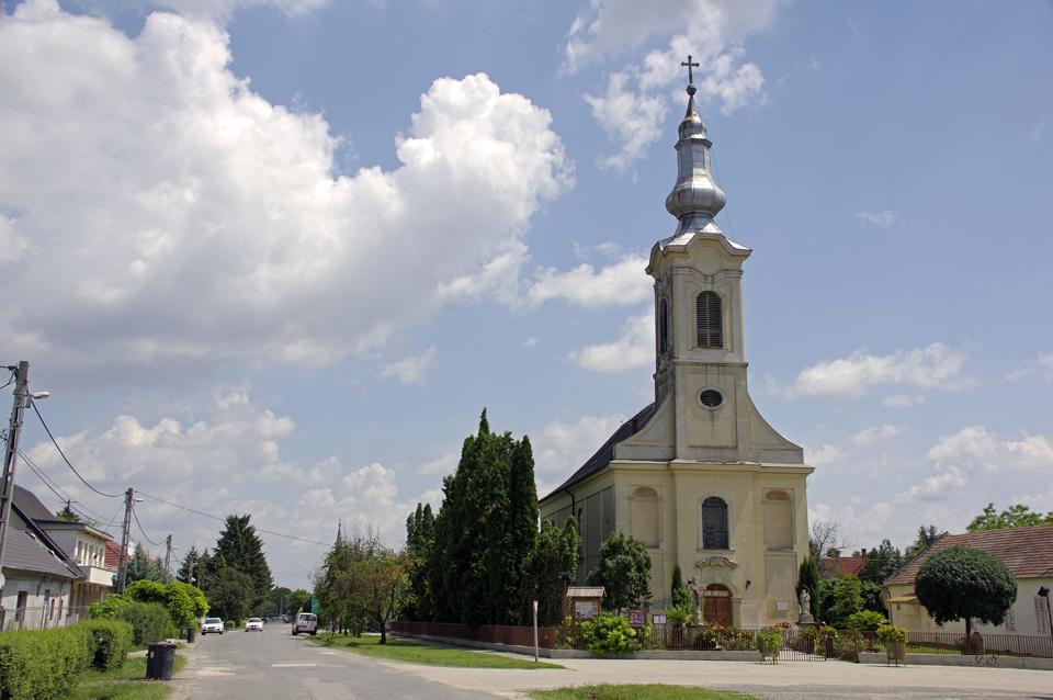 Ordas, Kirche