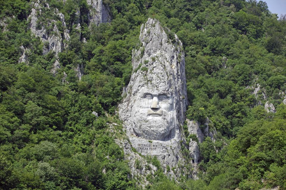 Decebalus-Statue