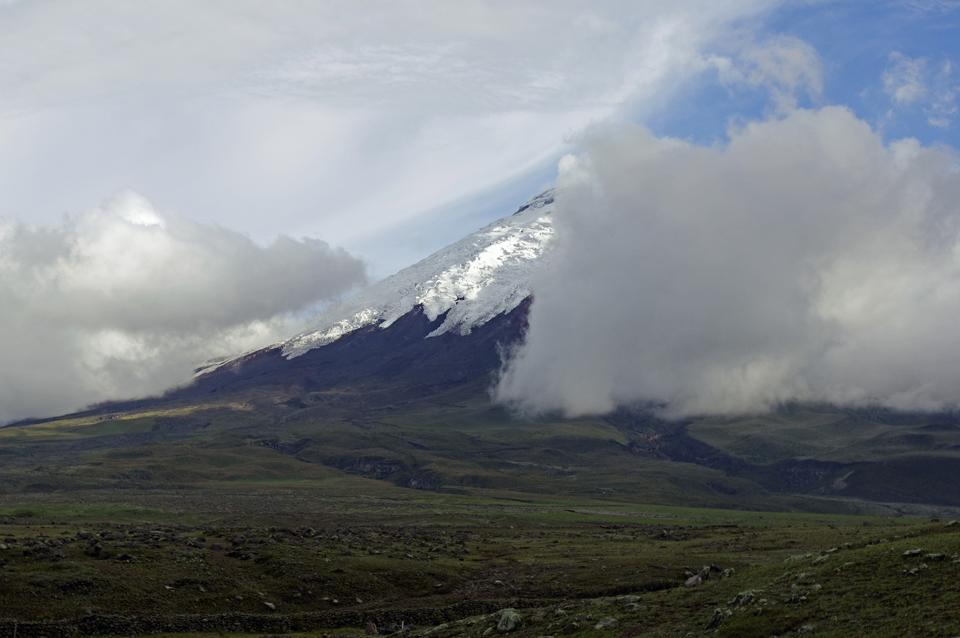 Vulkan  Cotopaxi, erste Blicke