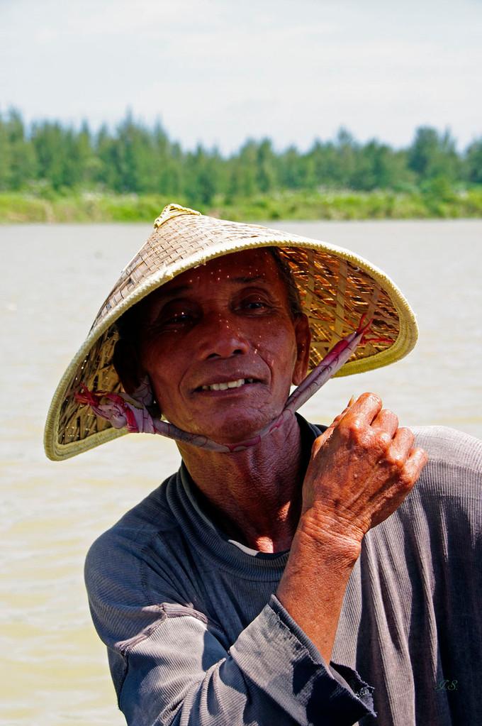 Bootsfahrt auf dem Song Thu Bon