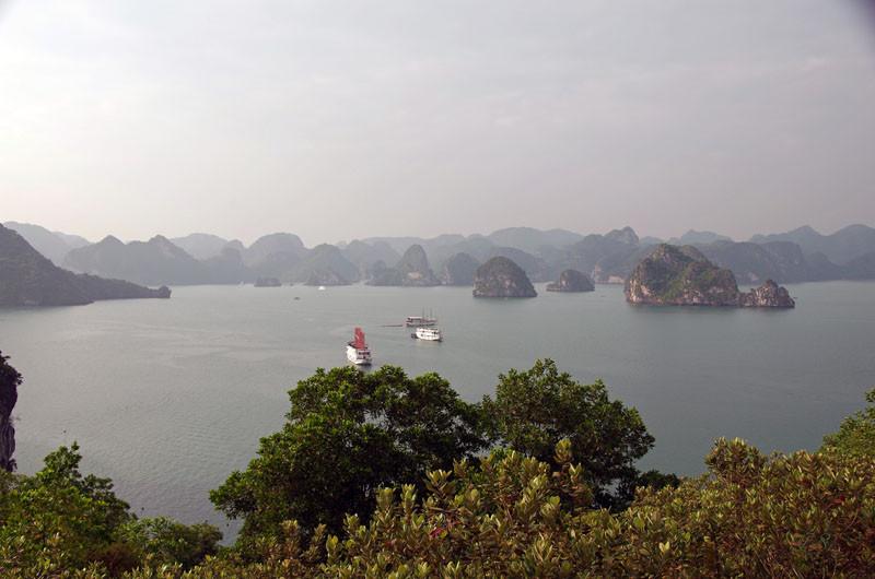 Halong Bucht, kleine Insel