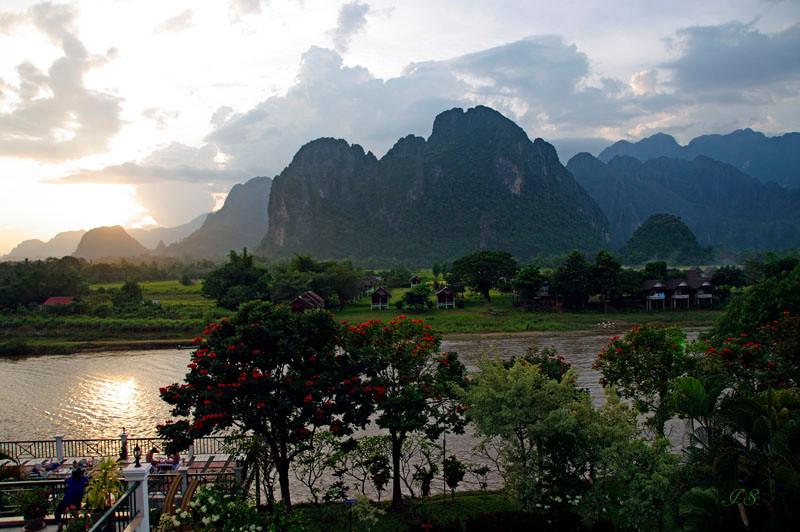 Fluss Nam Song