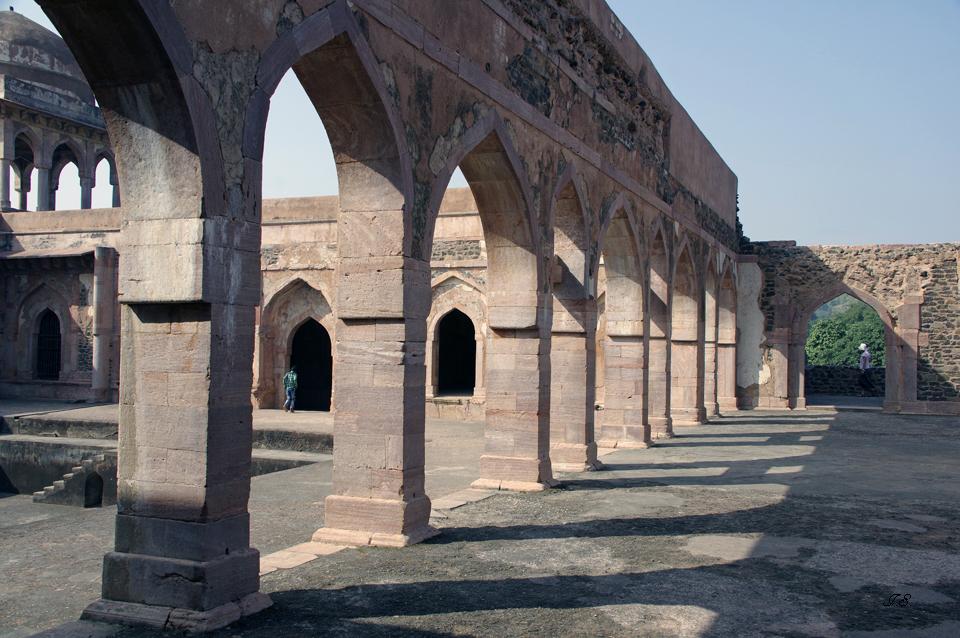 """Mandu-Fort, """"Baz-Bahadurs-Palace"""""""