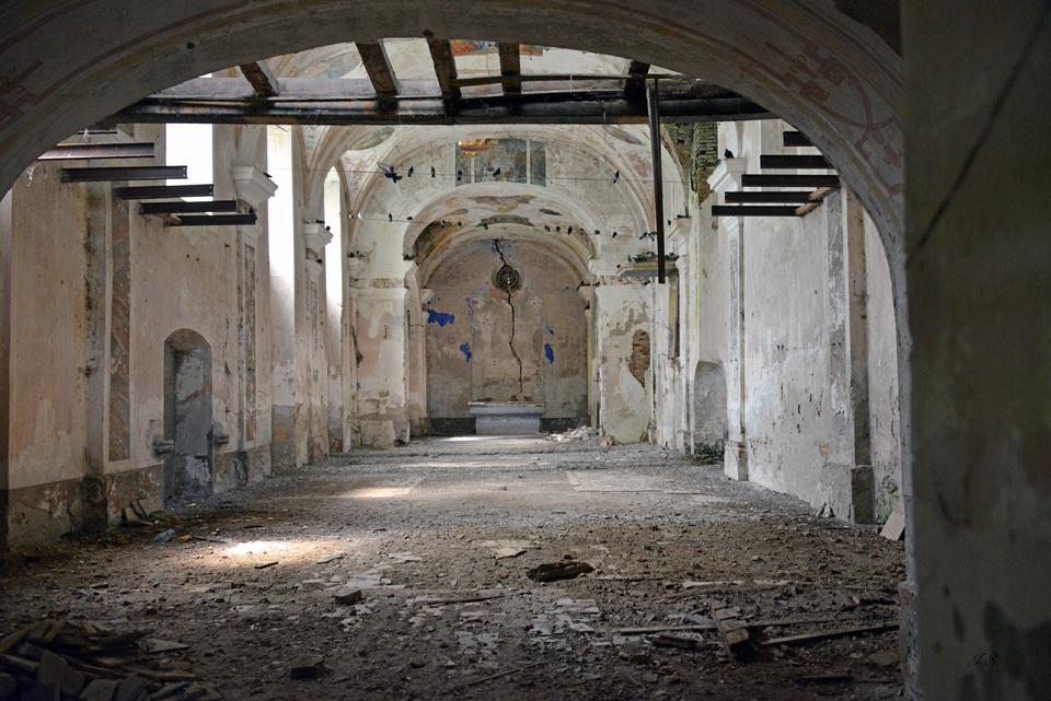 Verlassene Kirche in Kolut