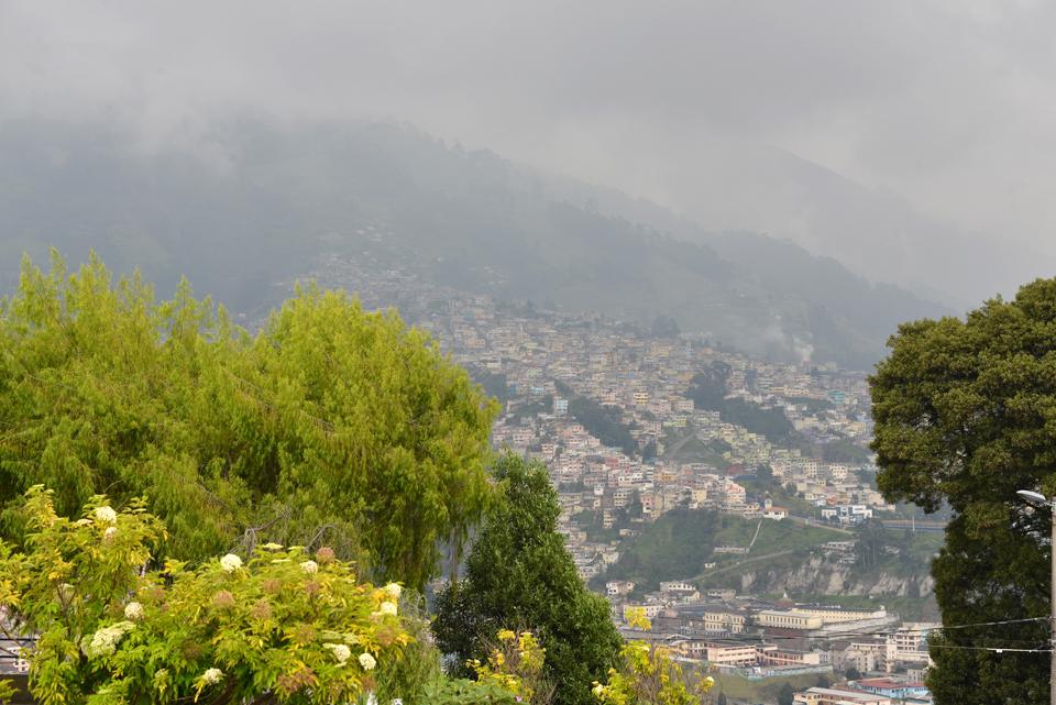 Blick vom Panecillo-Hügel auf Quito