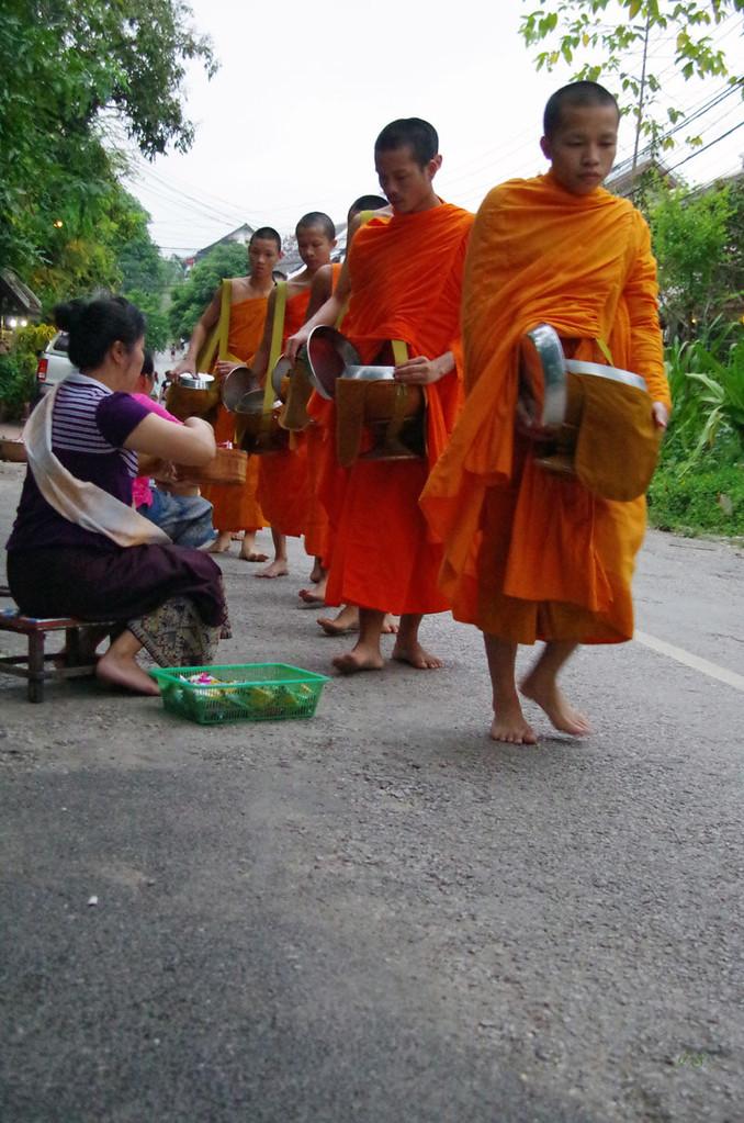 Zug der Mönche