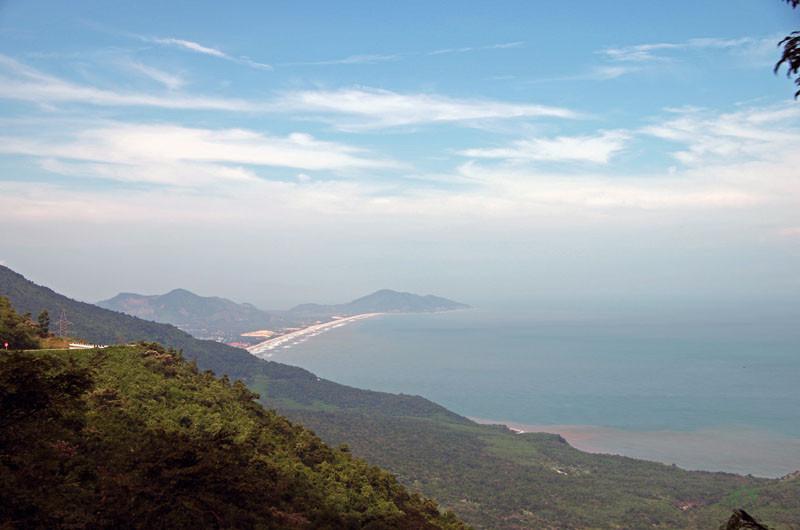 Blick von der Passhöhe Hai Van
