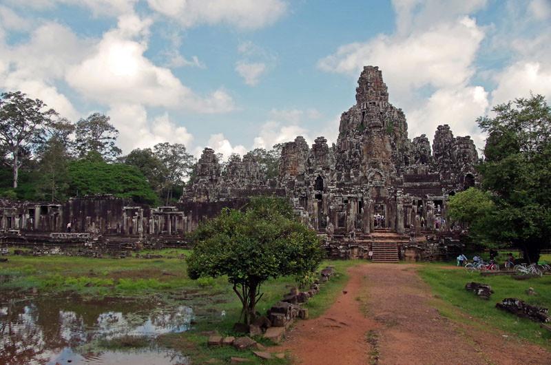 Elefantenritt um den Angkor Bayon