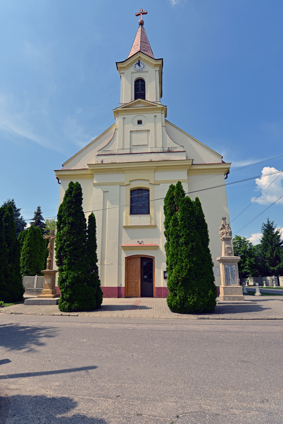 Dunaszentbenedek, Kirche