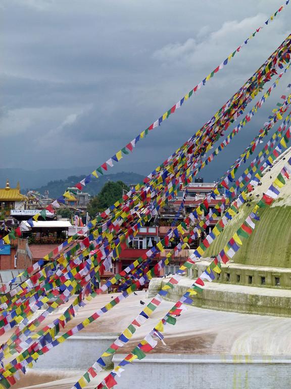 Bodnath-Stupa, Gebetsfähnchen