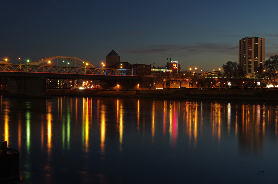 Blick über den Rhein zur Walzmühle