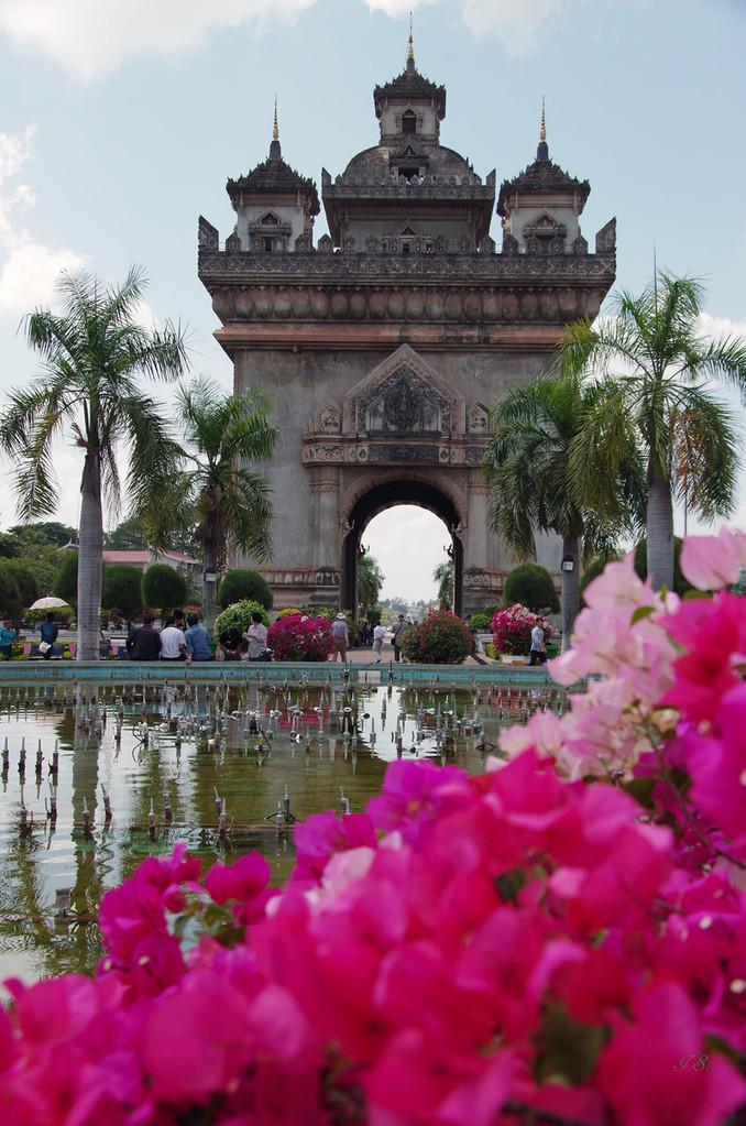 Vientiane, Patou Xai