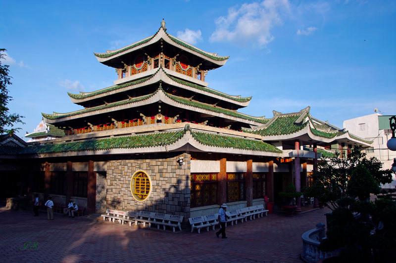 Wallfahrtsberg Nui Sam, Lady Hua Chua Xu Tempel