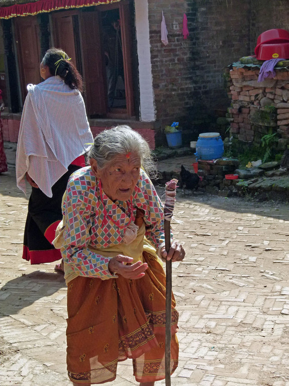 Bhaktapur, alte Pilgerin
