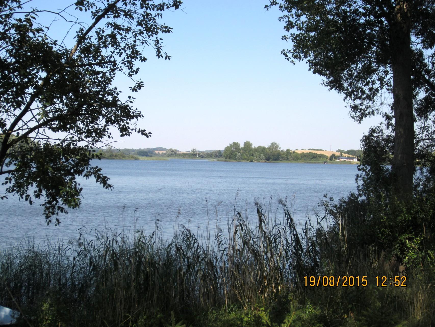 Blick auf den See von der Badestelle Bungalowsiedlung