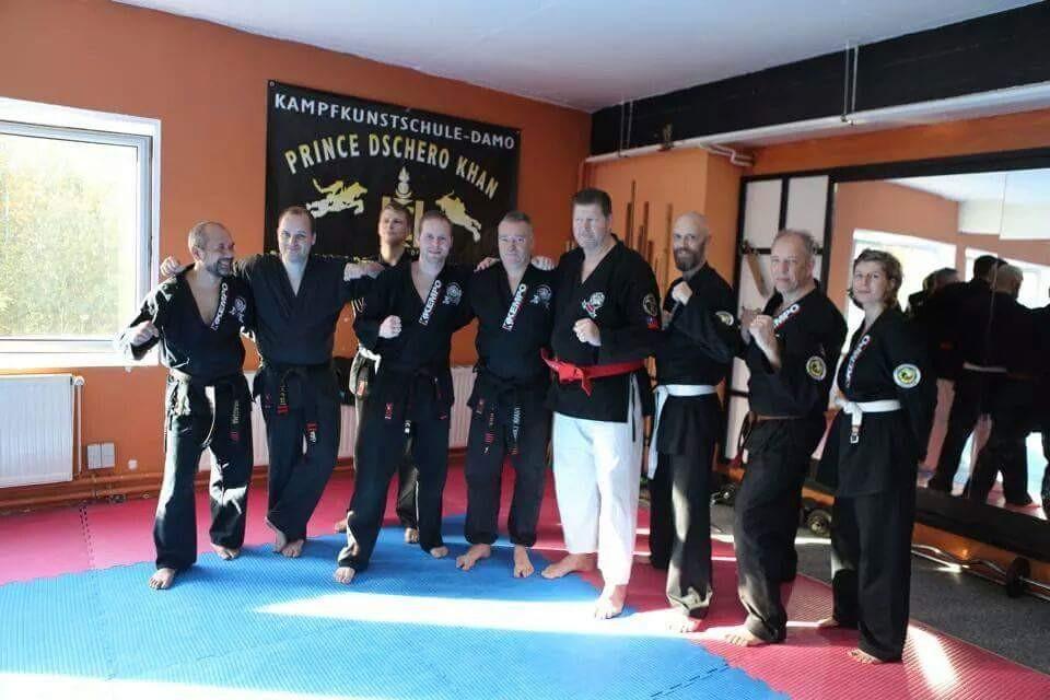 Bij Kampfkunstschule Damo met Toni Finken-Schaffrath