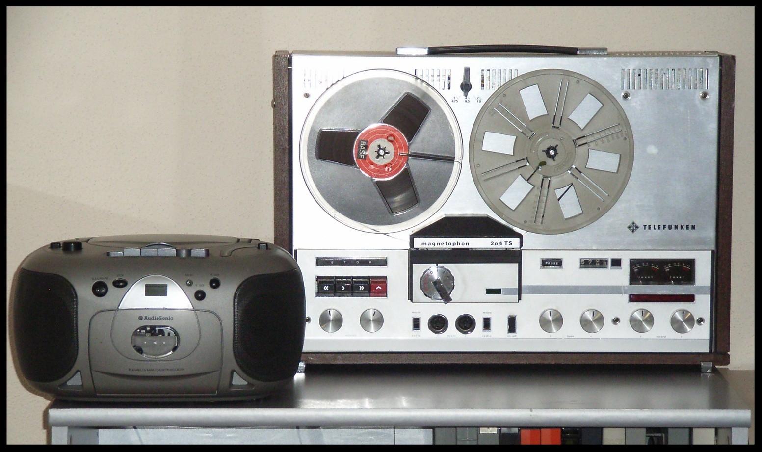 CD,-Kassettenspieler und Tonbandgerät