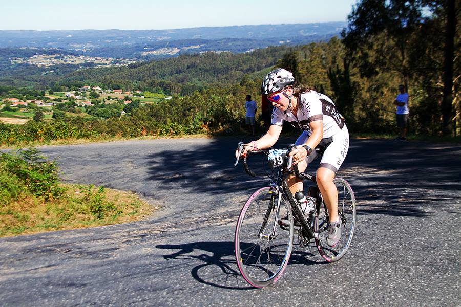 Lorena en Cronoescalada Monte Xalo