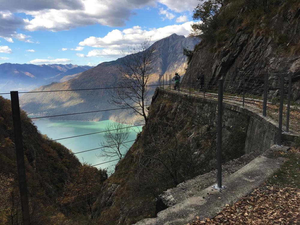 Il Lago di Mezzola è collegato con il lago di Como