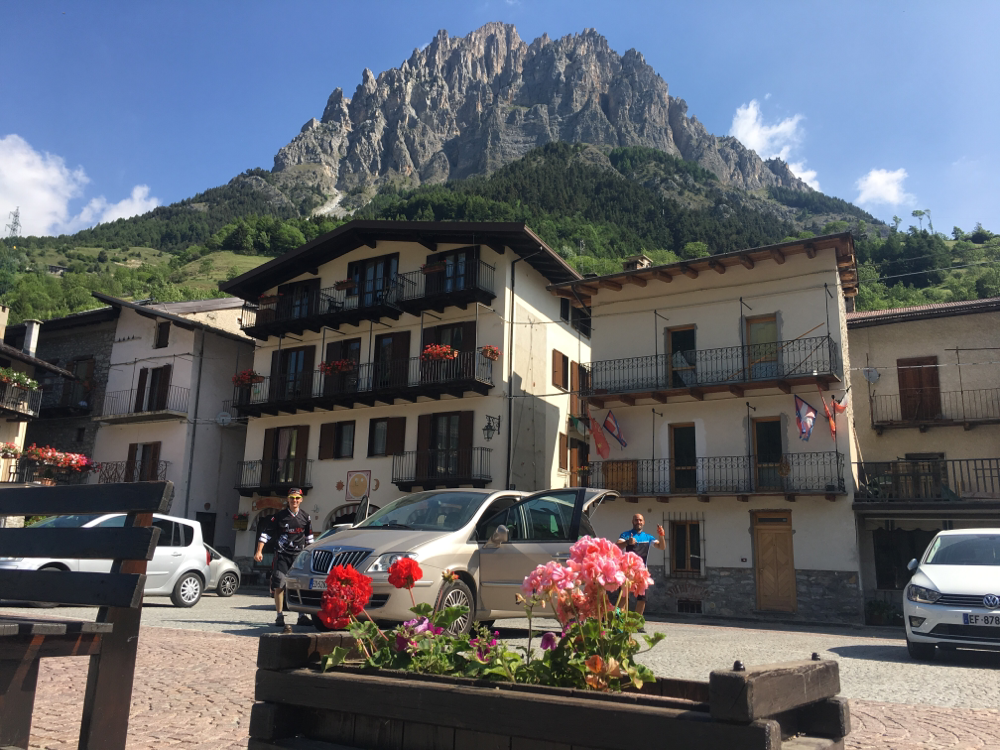 Sambuco, una perla Cuneese dominata dal Monte Bersaio