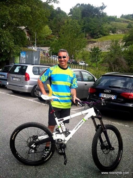 Oggi il premio per l'ultimo arrivato è questa...( e non è la bici!)...scherzi a parte ci auguriamo grandemente di ripetere una gita indimenticabile come questa con gli Amici dei BikeXplorer