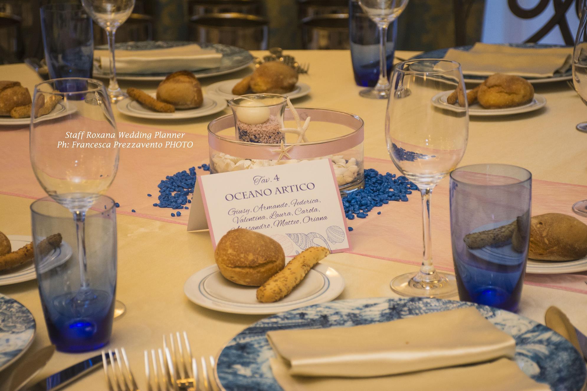 allestimenti-tavoli-matrimonio-tema-mare-rosa