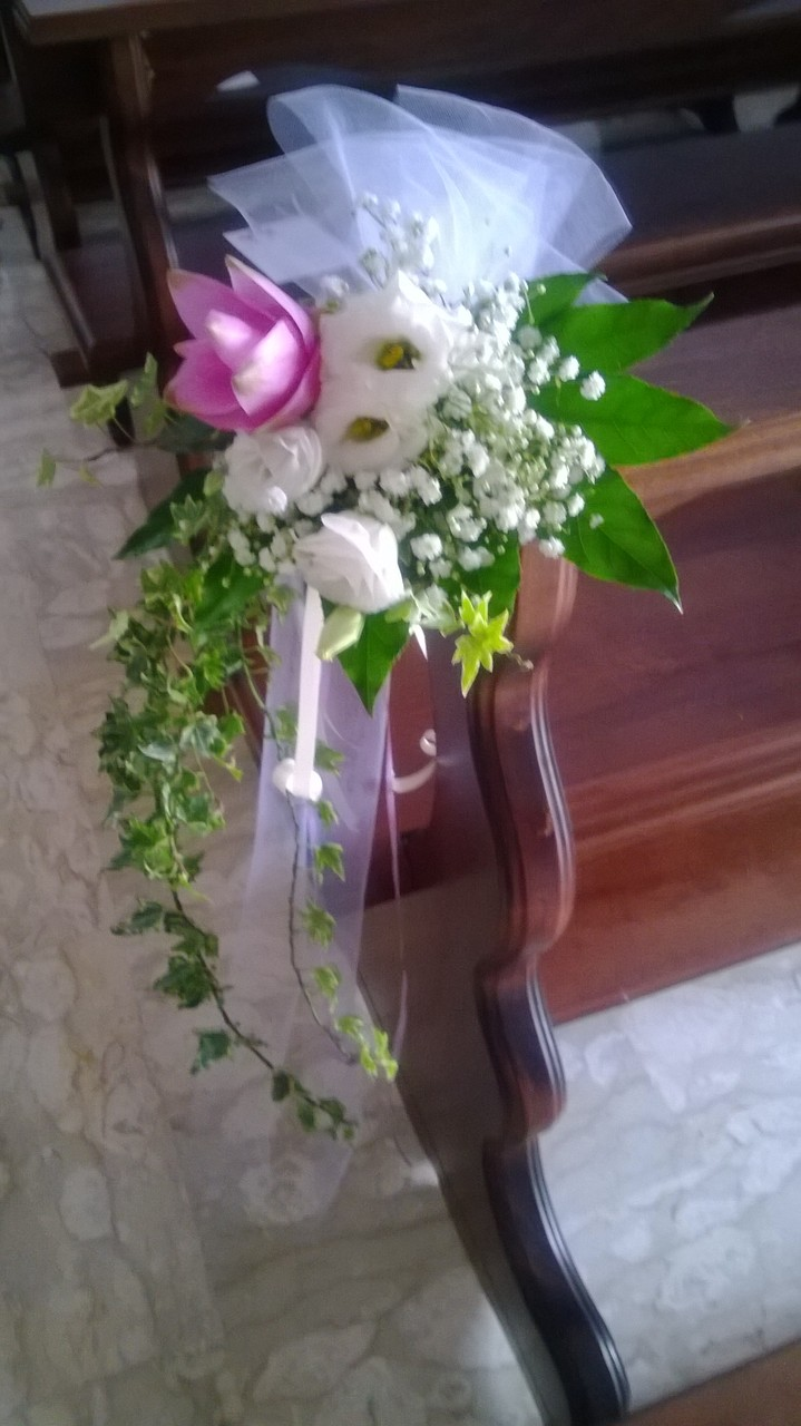 composizione-floreale-chiesa-rosa