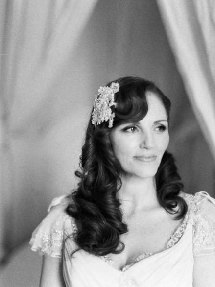 Acconciatura-sposa-2017-capelli-lunghi-classica-romantica
