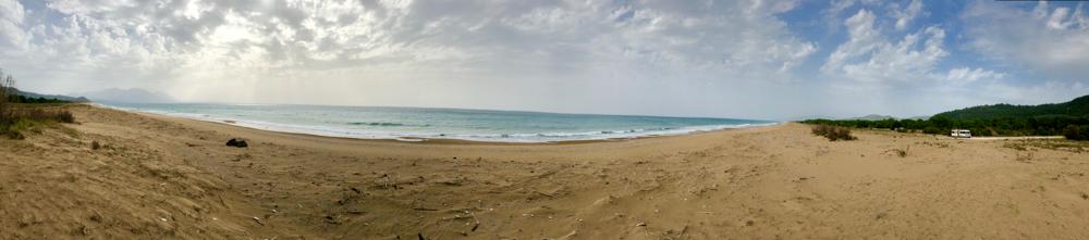 Camping auf dem Strand von Elea