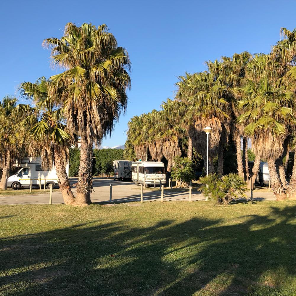 Motril am Strand-ganz hinten die Sierra Nevada 🏔
