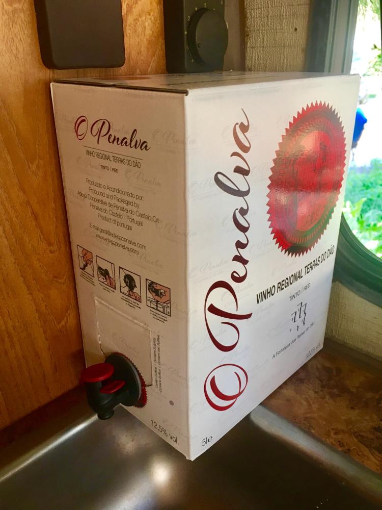Abendverpflegung: Rotwein satt