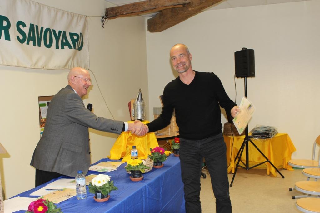 Médaille pour le rucher expérimental du Viviers du Lac, malheureusement les 5 ruches sont mortes cet hiver