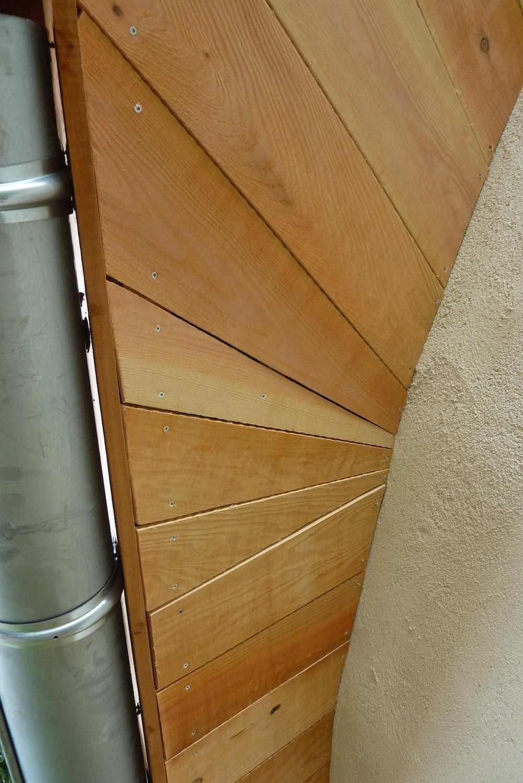 le sous-toit au niveau du rond