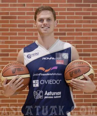 El estadounidense Will Hanley es el máximo exponente del peligro de los asturianos. (Foto Oviedo CB)