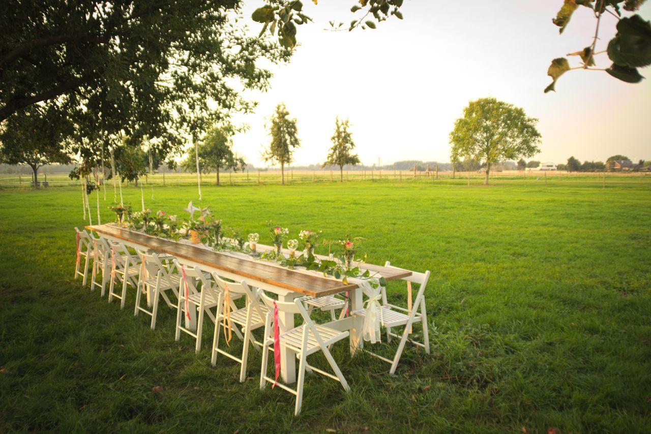 Romantisch Verleih Von Vintage Tischen Stuhlen Deko