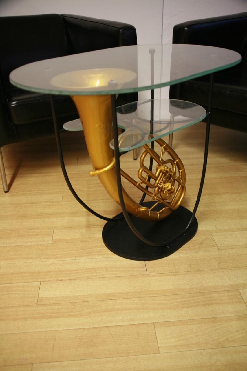 Glas-Tisch mit Ablage