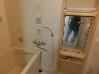 柏 浴室 鏡 交換 水あか