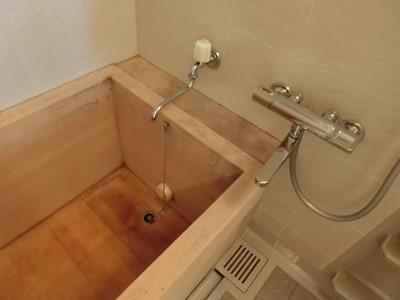 浴槽 ヒノキ カビ 漂白 白木 黒ズミ