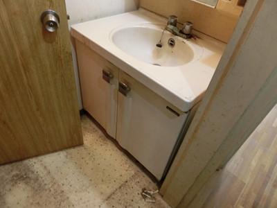 洗面所 洗面台 汚れ ホコリ ヤニ