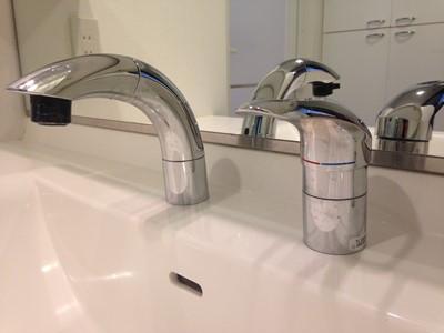 洗面所 洗面台 水栓 交換 メッキ