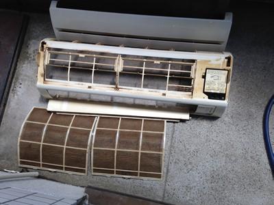 エアコン 洗浄 クリーニング ヤニ 分解