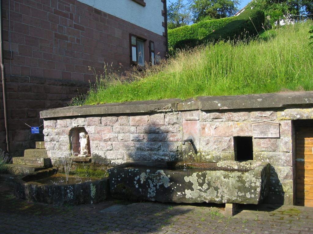 Römische Brunnenquelle beim Hotel Frankenbrunnen in Reinhardsachsen
