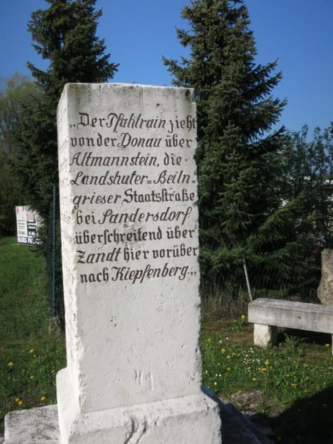 """ein """"Maxlstein"""" bei Denkendorf"""