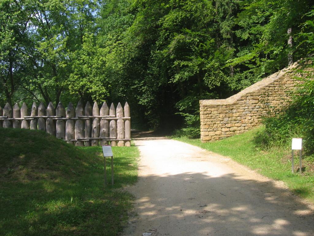 Nachbau der Provinzgrenze bei Schwäbisch Gmünd