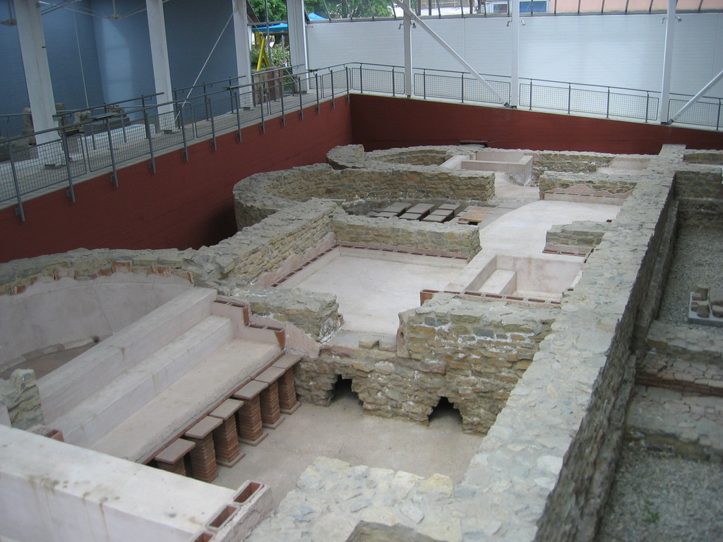 Grundmauern vom Kastellbad