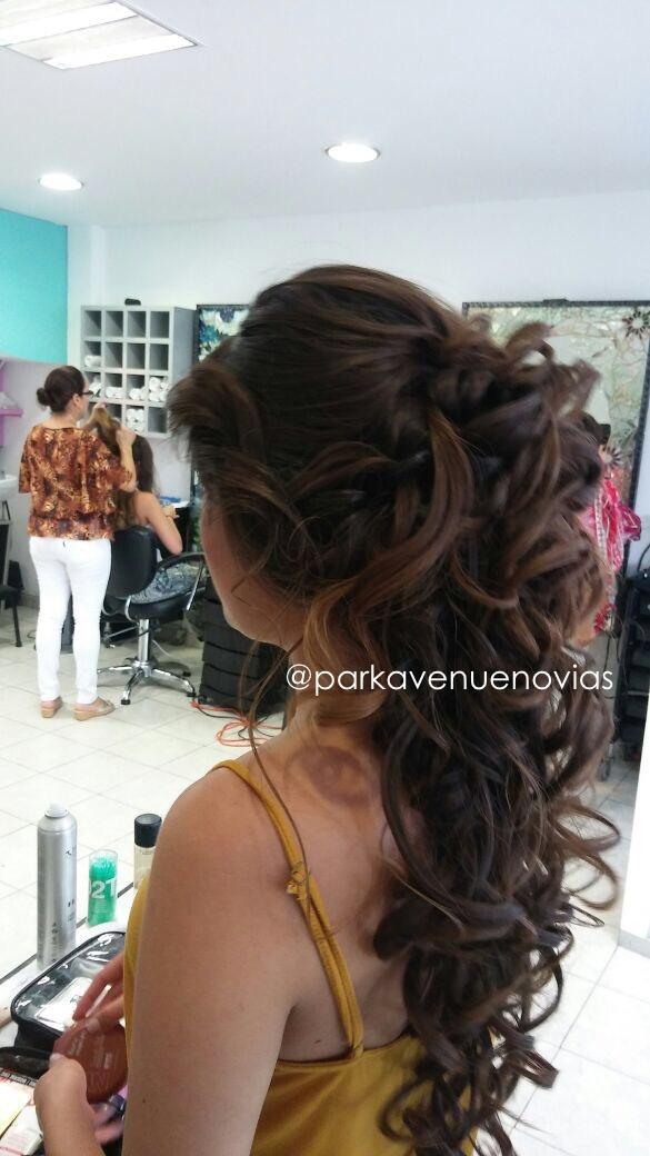 peinado para boda con ondas desvanecidas estilo cascada