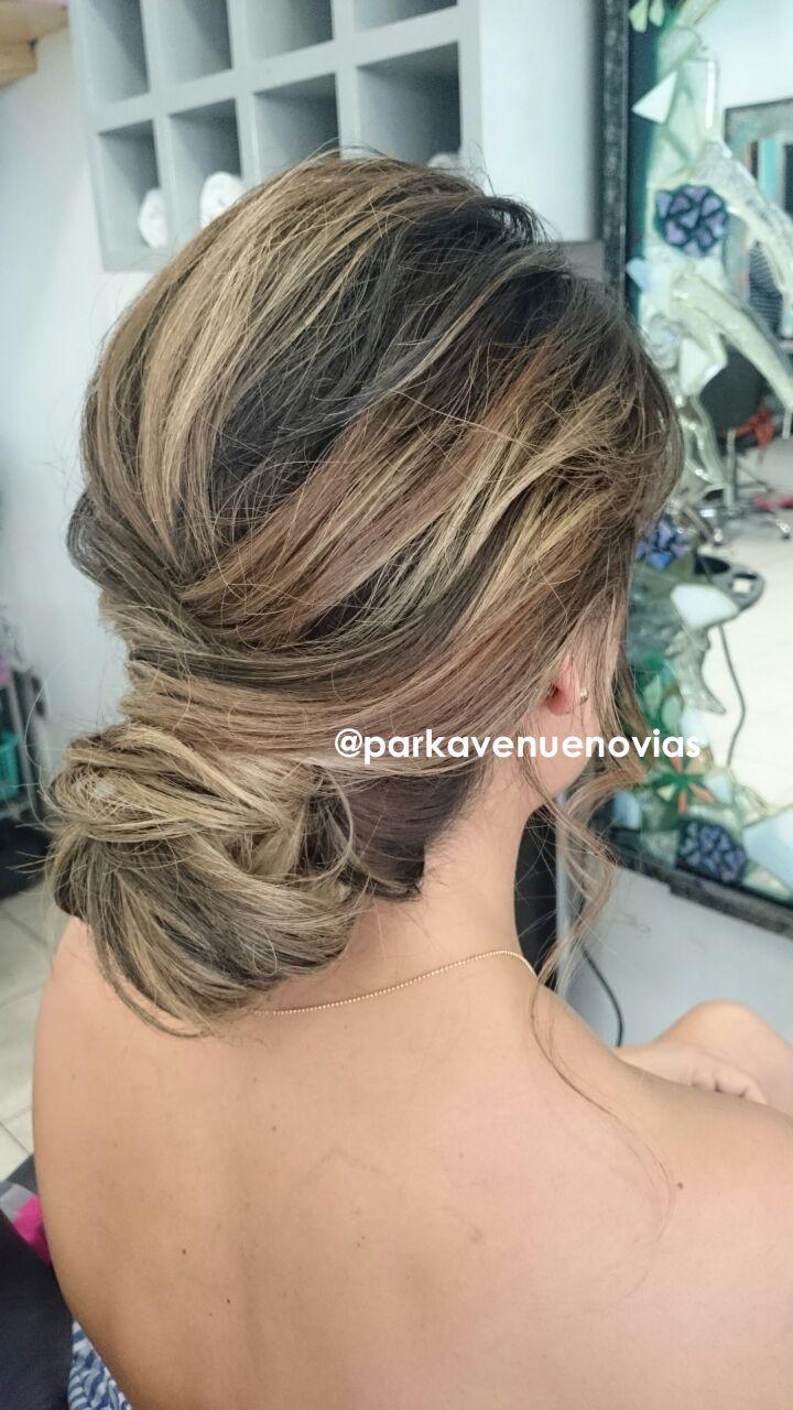 peinado recogido para boda en puebla