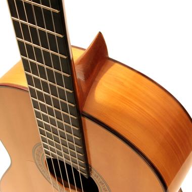 Manuel Reyes 1982 - Guitar 2 - Photo 1